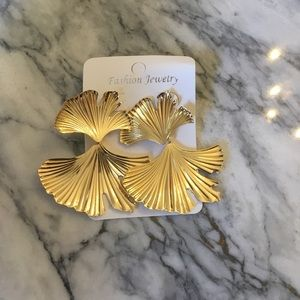 Gold Ginko Leaf Drop Earring
